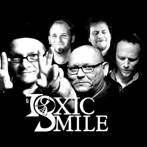 toxic smile band