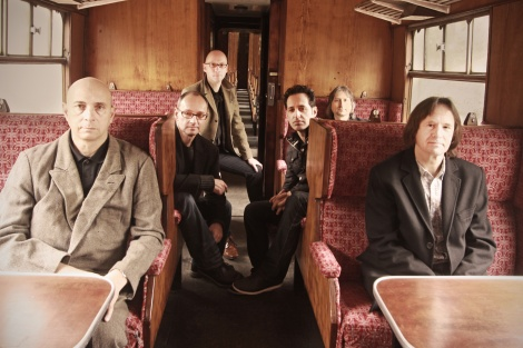 band_red_carriage